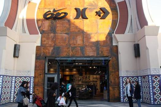 The 6.0/Hurley/Converse store at Irvine Spectrum.