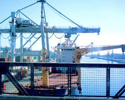 2010 retail container traffic