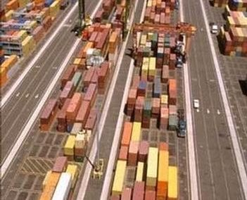 Retail container traffic to