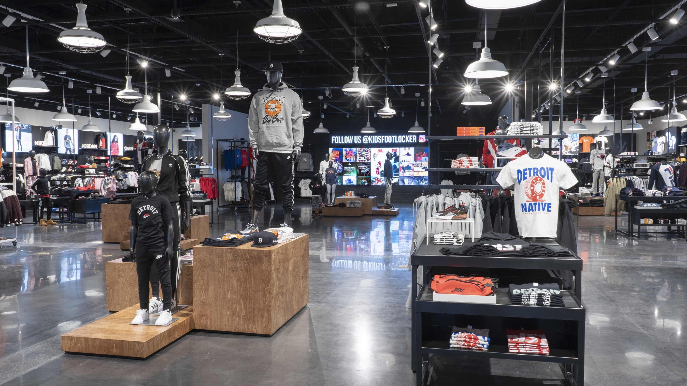 Foot Locker Detroit Power Store Interior