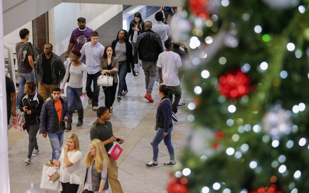 Robust Holiday Sales Forecast